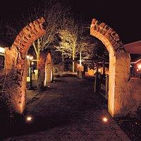 Sfeervolle foto van het terras van Restaurant Pegasus in Ridderkerk.