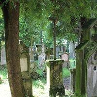 Christusstatue im Friedhof