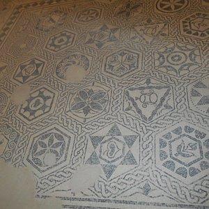 Les mosaïques noires et blanches
