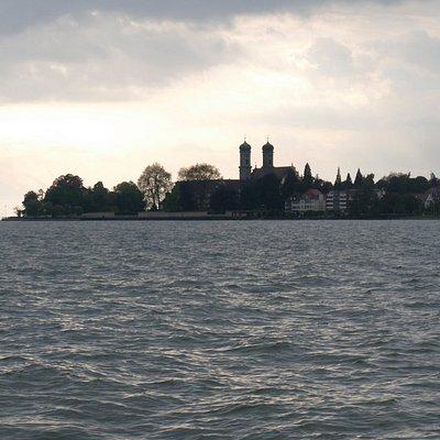 Blick auf die Schlosskirche Friedrichshafen