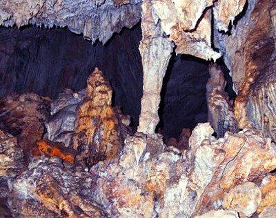 interior cueva