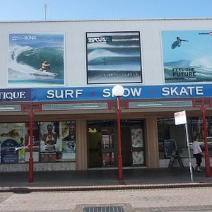 Aquatique is a local and independent surf chain in the Shoalhaven region