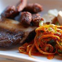 Menu utama: Roasted pork ribs
