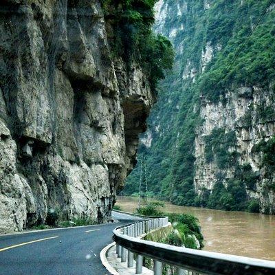 road through the canyon