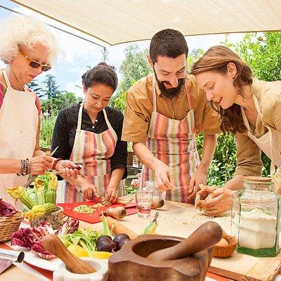 Camilla e Martina cooking class in Rome