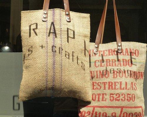 Tote bags, Stro