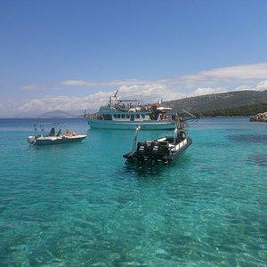 Esta es la playa Blue Lagoon, no photoshop, el agua es de ese color de verdad!!!