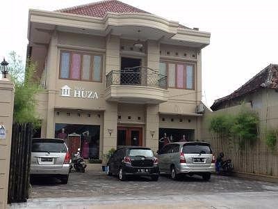Batik Huza Pusat yang berada di kota Pekalongan.