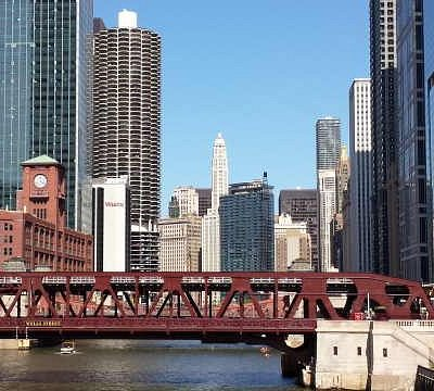 Explore Chicago with our FREE Self-Guided Walking Tours!