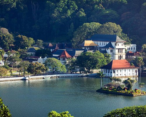 Temple of the tooth relic - Kandy