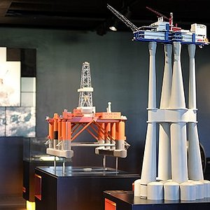 Learn about the impressive engineering behind oil and gas installations at Engineerium