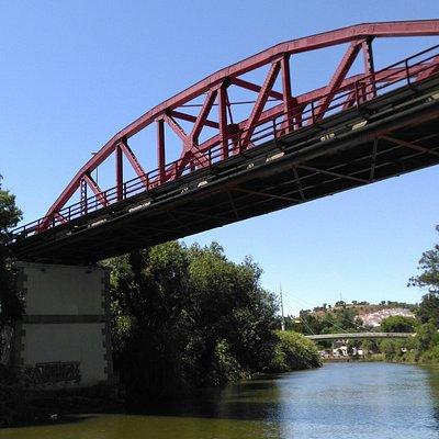 Ponte Férrea sobre o Rio Mira