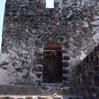 benteng ini dibangun sekitar abad ke 17 oleh Portugis