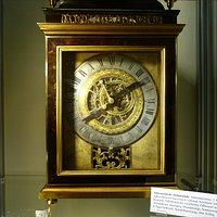 Astronomische Stehpendule. Spätrenaissance, 2. Hälfte 17. Jahrhundert