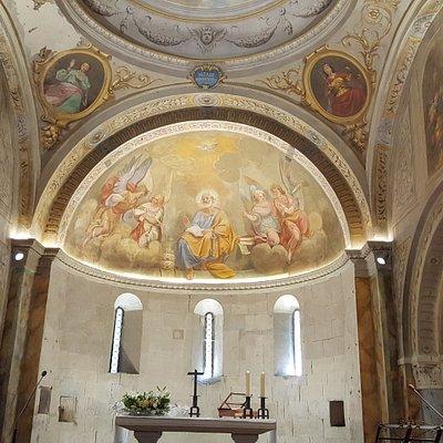 Panoramica dell'abside della Antica Pieve di San Pietro a Rocca Roffena