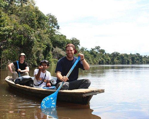 Full canotaje en la Reserva Alpahuayo Mishana.