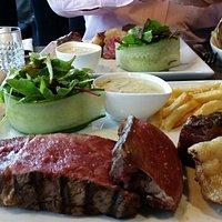 Voor wie graag een heerlijk stukje vlees eet. Super adres. Vriendelijke bediening. Correcte prij