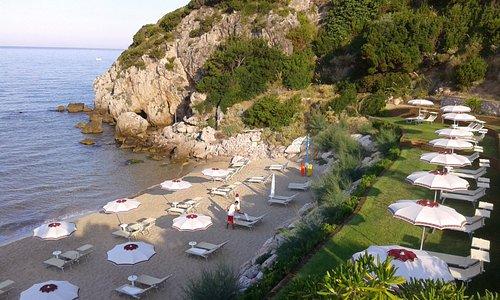 Spiaggia il Fortino a 12 km  dal SarAnd Relais