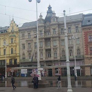 Trg Bana Josip Jelacica