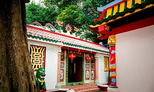 Chinese Temple Vat SopSe