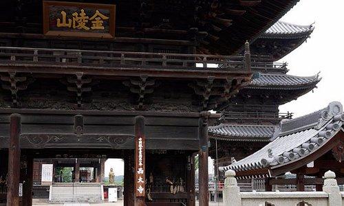 金陵山西大寺:山門