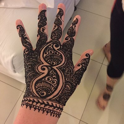 Amazing henna. Real!! Had no problems no reactions :)