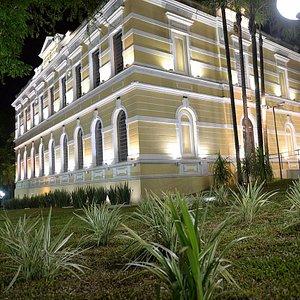 Museu noturno