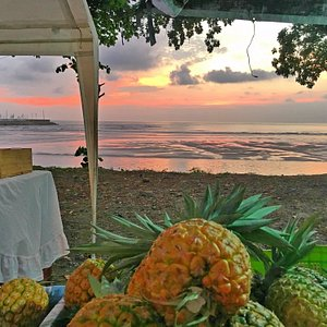 Sunset and Pineapples at the Quepos Farmer's Market