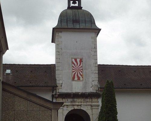Chapelle de Montcroix/entrée ancien couvent des capucins