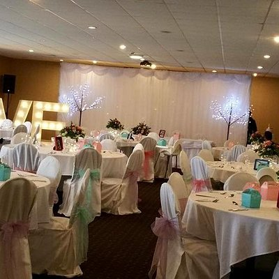 A photo showing 1 of our 3 function rooms set up for a wedding