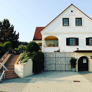 Keller des Weinguts Wachter-Wiesler