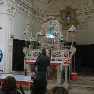 L'interno della vecchia Chiesetta