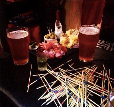 Bières, apéro, musique et mikado : que demander de plus ?