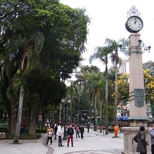 Praça na Rua XV de Novembro