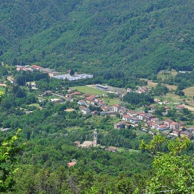Comune di Sesta Godano visto dal Castello