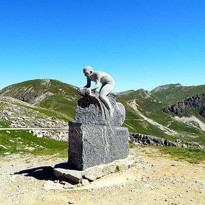 Monumento a pantani