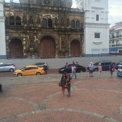 Tuvimos suerte, habia una pequeña feria artesanal en la plaza de la catedral