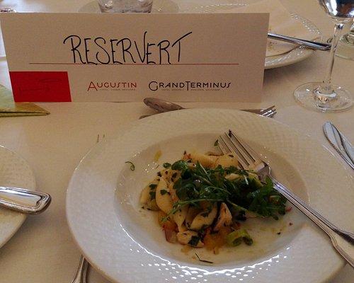 來到卑爾根 主菜當然是鮭魚