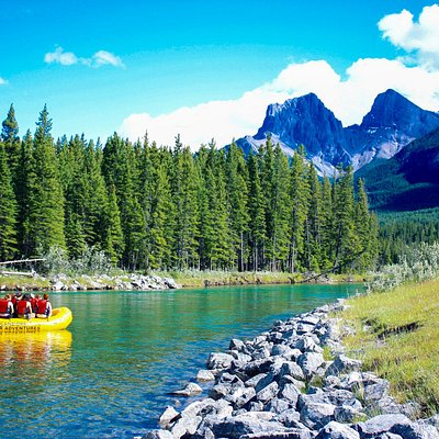 Scenic float tours on the Bow River in Canmore, AB