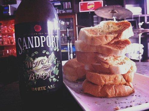White ale with garlic bread