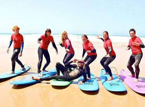 surf lessons at the west coast Monte Clerigo