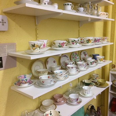 Jill's Antiques & Collectibles