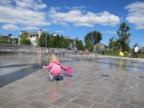 Large fountain area