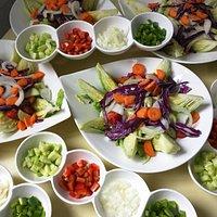 Más platos, en esta ocasión guarnición para gazpacho y ensaladas