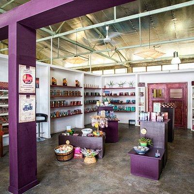 FARAN Natural Cosmetic & Soaps Visitor center, factory shop