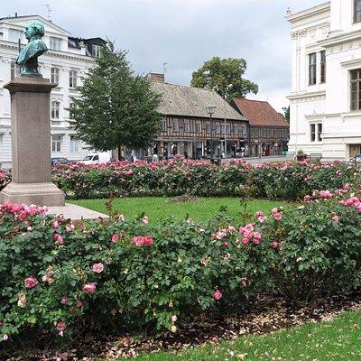 Rosenplanteringar i Lundagård