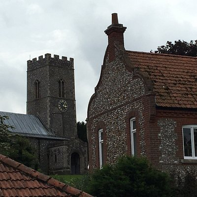 Shell museum with Glanford church in background