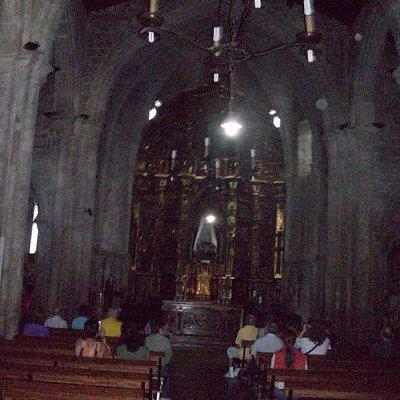 La Patrona del templo, que preside el retablo central, es la Virgen de la Asunción, patrona de B