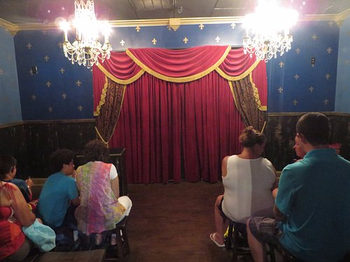 Intimate parlour room...but no pics allowed during the show!