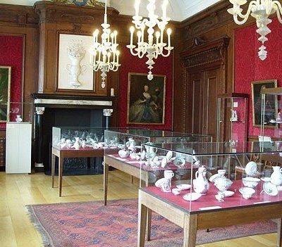 Museum Weesp heeft een fantastische collectie van het zeldzame Weesper porselein.